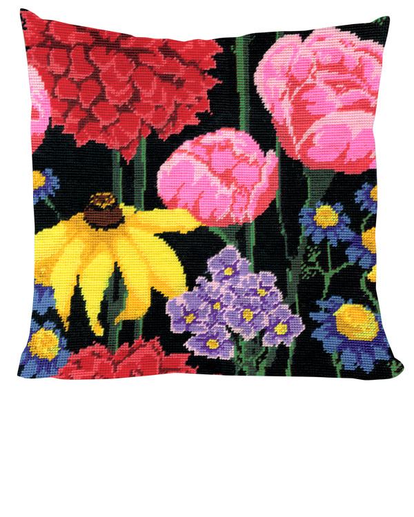 Tyynynpäällinen Keskiyön kukkia
