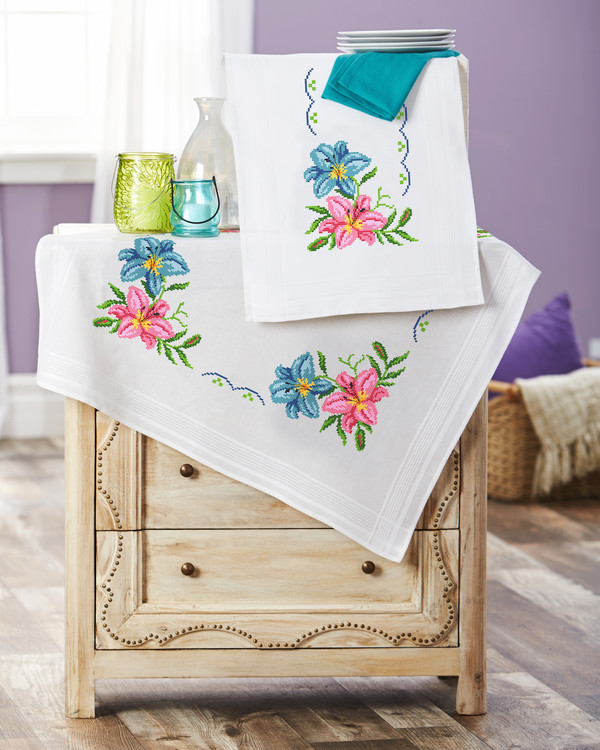 Mitteldecke Rosa und blaue Lilien mit oder ohne Garn