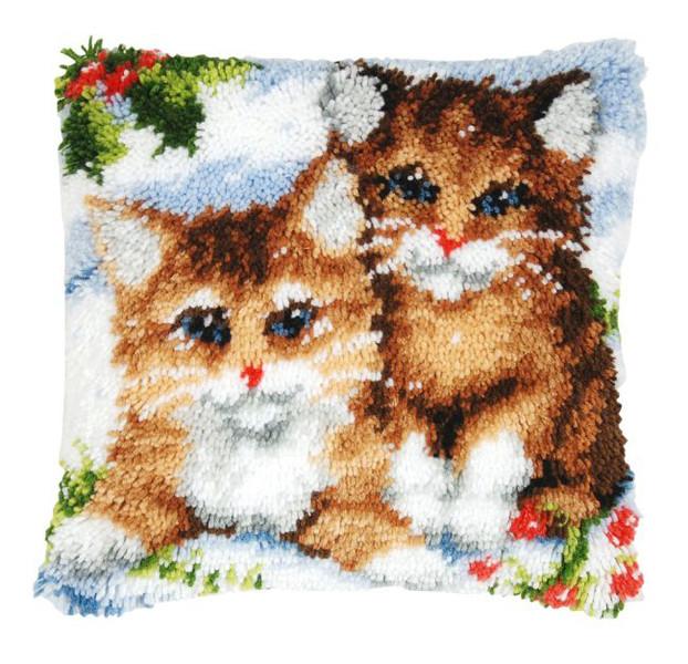 Knüpfkissen Katzen im Schnee