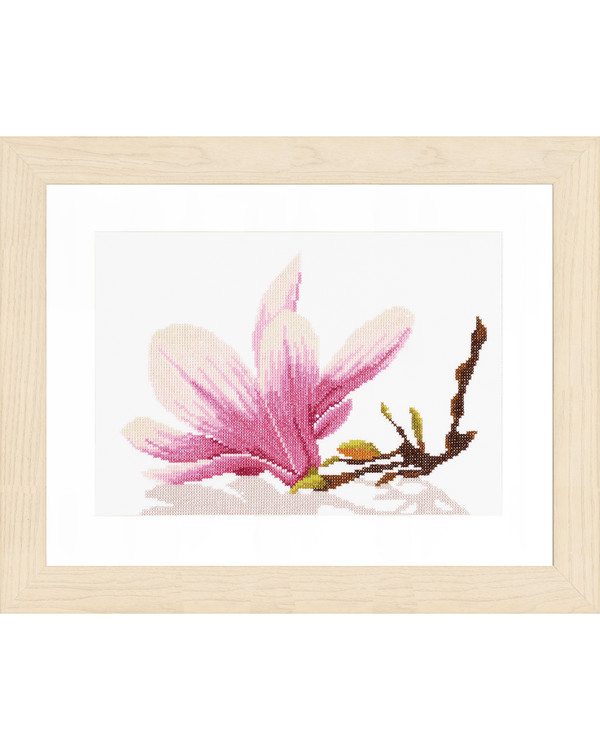 Broderikit Magnolia twig with flower